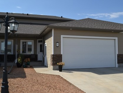 Well Maintained Townhouse in Warman