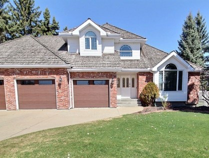 Spectacular Executive Home in Meadow Lake