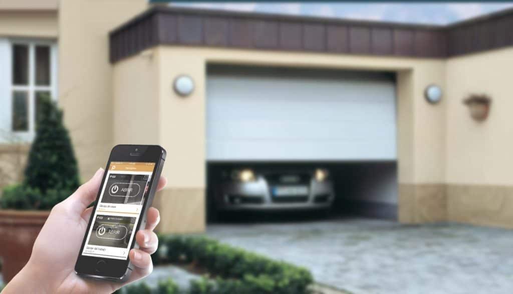 Oferta Loca solo hoy: 2x1 para abrir tu garaje con el móvil