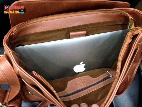 Để vừa Laptop vào cặp da Lata
