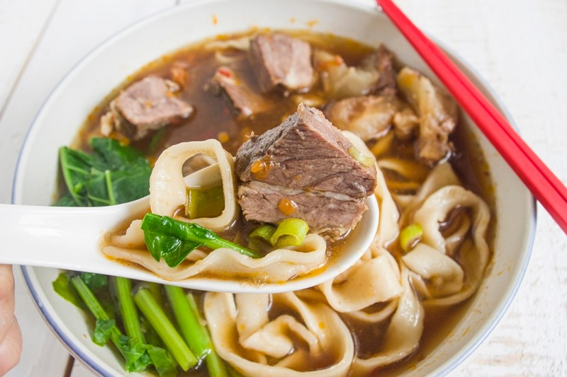 20171102.Taiwanese-Braised-Tomato-Beef-Noodle-Soup-番茄紅燒牛肉麵_Resize.jpg