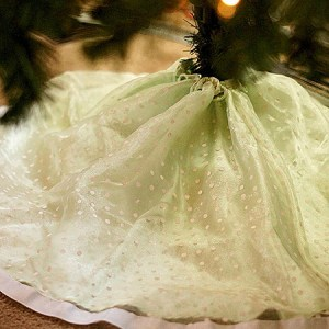 Make a Tree Skirt out of a Girls Dress in 10 minutes flat!