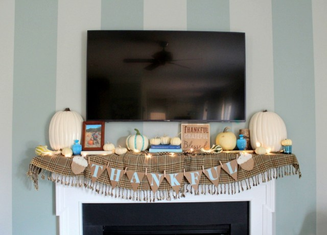 Giving Thanks Mantel