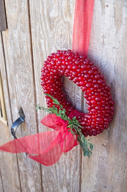 Hanging Everlasting Cranberry wreath