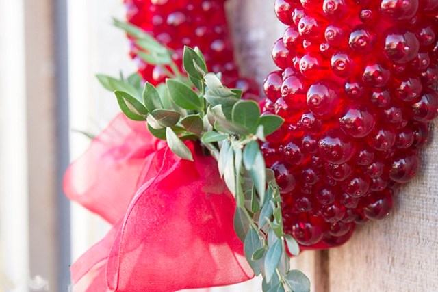 Hanging red beaded wreath