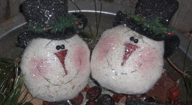 Primitive Frosty Christmas Ornies
