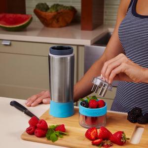Using the Aqua Zinger Infuser water bottle