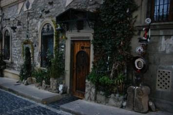 Dom Ali Shamsiego, Baku