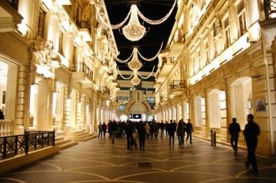Azerski przepych na ulicach Baku