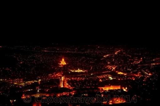 Panorama Tbilisi widziana ze Świętej Góry