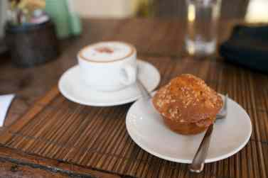 I got coffee and a banana muffin in Luang Prabang to use the wi-fi. But then the wi fi didn't work.