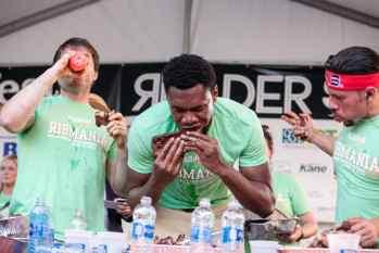 Gideon Oji | Ribmania Ribs Eating Contest at Ribfest Chicago