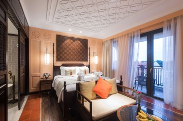Little Riverside Hoi An King Suite with city view