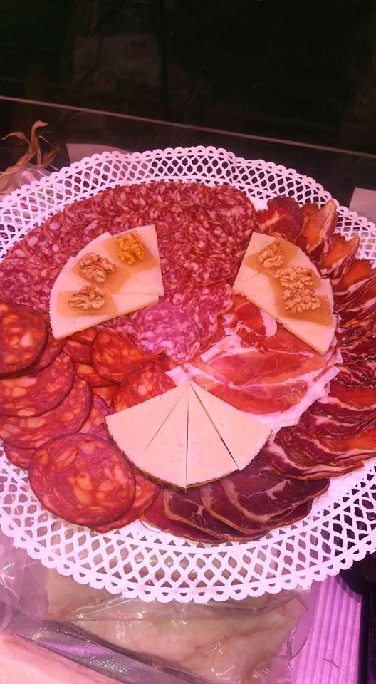 bandeja queso chorizo lomo nueces
