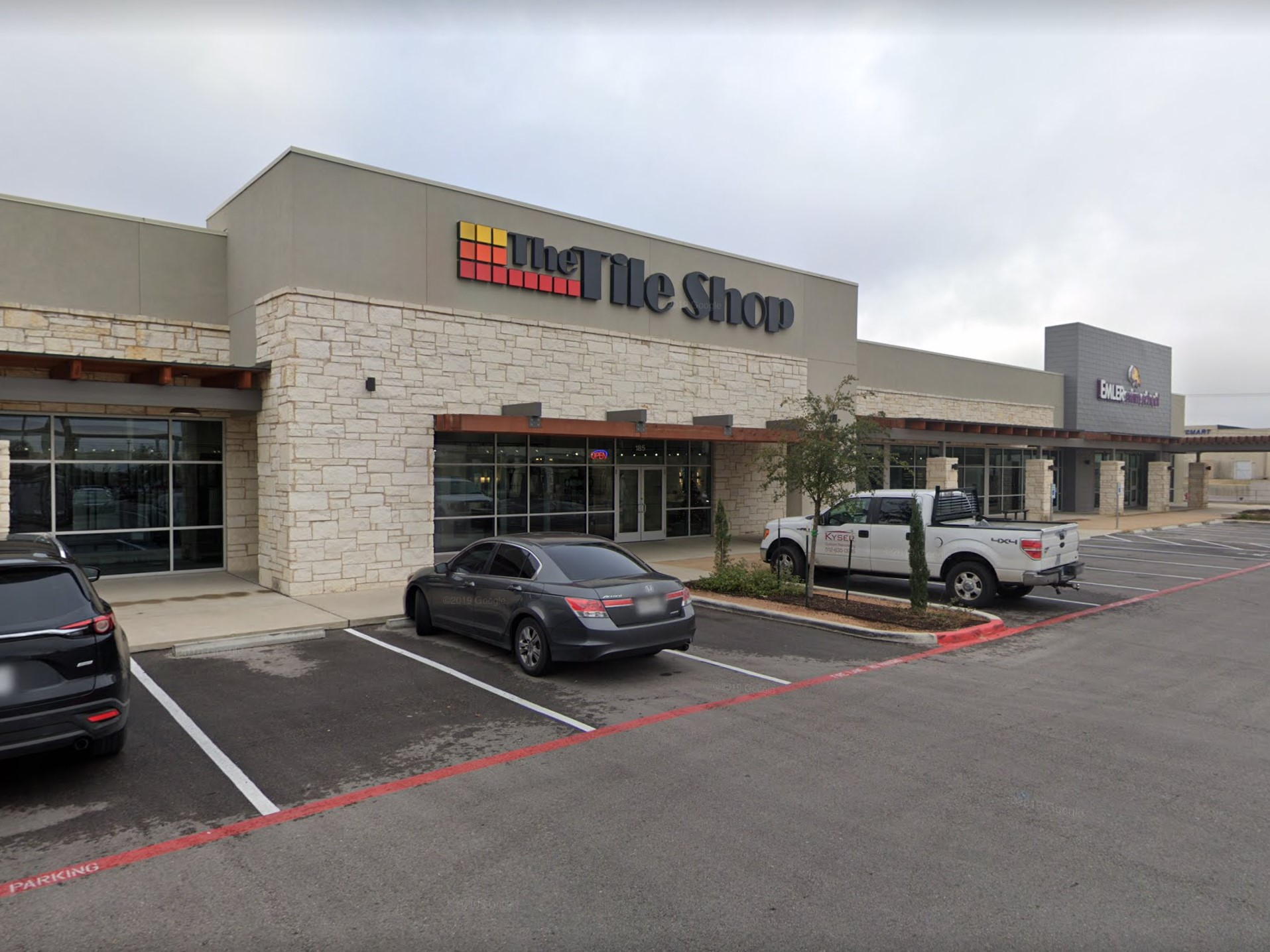 https www startribune com shareholder sues to stop tile shop delisting that is set for friday 564616232
