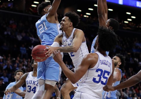 Ex-North Carolina center Sterling Manley turns pro, eliminating chances of transferring to the Gophers