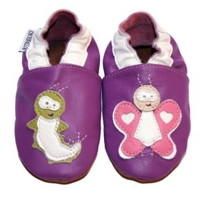 chaussons bébé en cuir Chenille devient papillons 100% artisanal CHOUBALLON