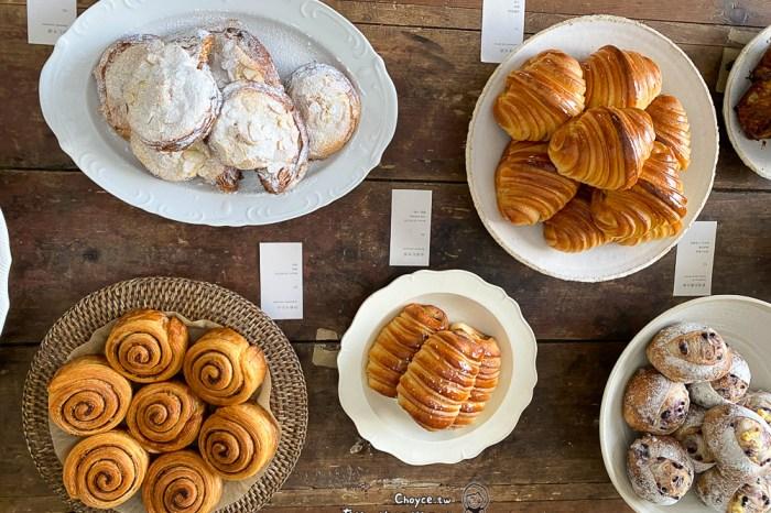 沒招牌卻讓人心甘情願愛上它 小花麵包店 一星期只出爐兩天 嘉義市排隊名店 歐式麵包