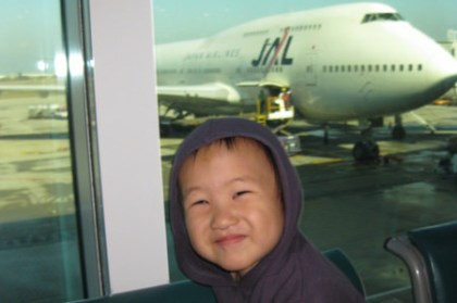 (choyce雜感)帶小孩出國是沒公德心的父母?