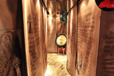 (日本東京都) 銀座主題餐廳推薦 愛麗絲系列 迷宮之國 愛麗絲邊唱歌上菜來囉!