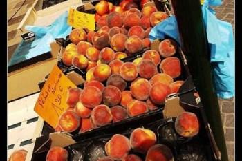 (歐洲) 夏季當季水果物美價廉喔!(招手)