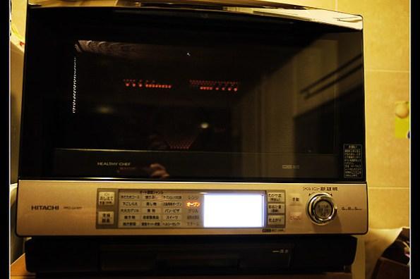 (試機文) 日立過熱水蒸汽烘烤微波爐 MRO-GV300 <----在家也能當總舖師