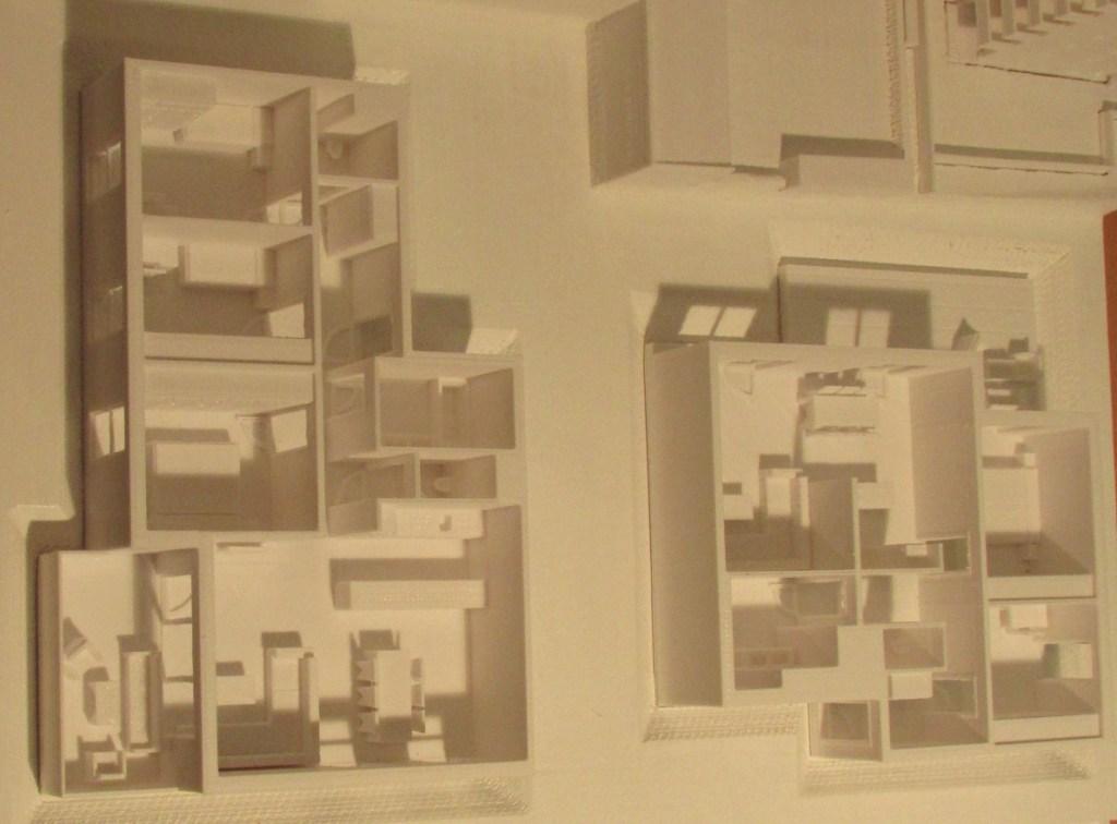 """3D-gedrucktes Modell einer Wohnung des Projektes """"Himmlischer Wohnflair Breitensee"""" im Maßstab 1:100"""