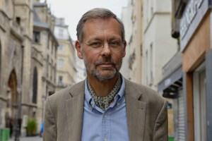 Jacques Arnould, docteur en histoire des sciences et docteur en théologien. Actuellement en charge de l'expertise éthique au Centre national d'études spatiales. Martin Riebeek