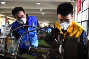 Un concours de prototypage organisé à l'Ecole professionnelle Weihai, à Weihai, dans la province chinoise du Shandong (est), le 11 novembre 2019. (Xinhua/Guo Xulei)