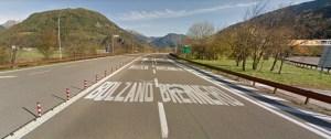 Beginn der italienischen Autobahn hinter dem Mauthäuschen (Ticket ziehen)