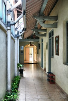 lorong menuju pastoran (the aisle to the rectory)