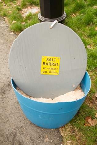 Salt tub