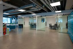 Glass-meeting-rooms-2