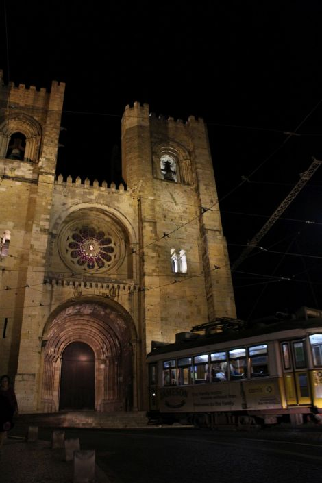 Lissabon Kathedrale bei Nacht