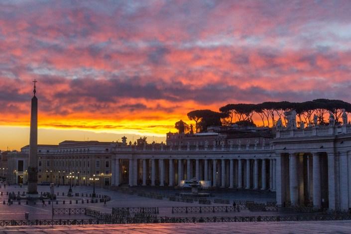Sonnenaufgang am Petersplatz
