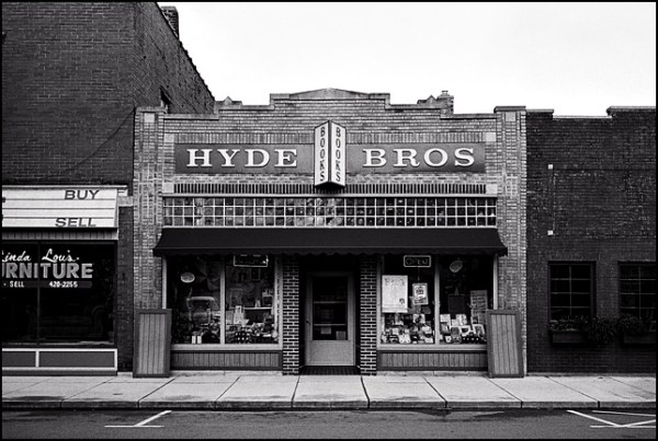 Hyde Brothers Used Books on Wells Street in Fort Wayne ...