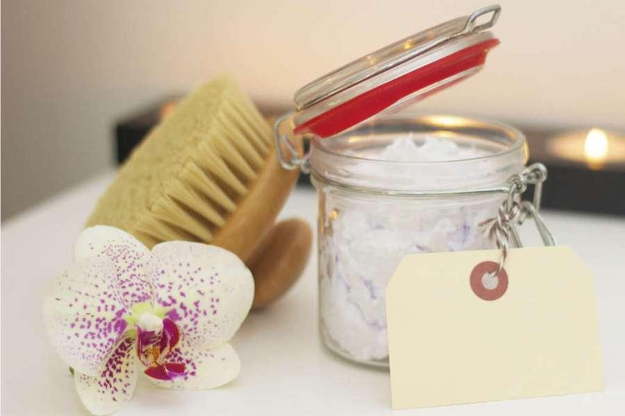 Body brush and bath salts