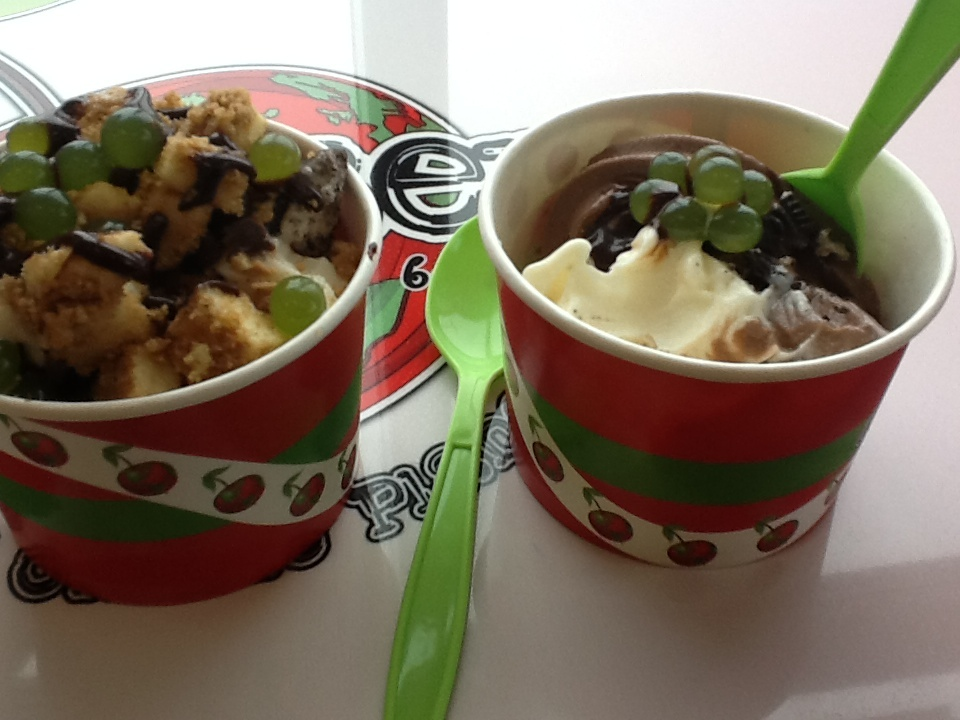 CherryBerry - Charlotte's and Friend's Bowl