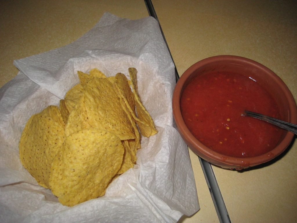 Mexico Lindo Restaurant - Salsa and Nachos
