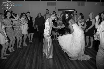 party-wedding-photos-chris-jensen-studios-winnipeg-wedding-photography-10