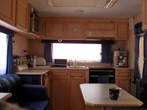 Windsor Seaview Caravan - Kitchen