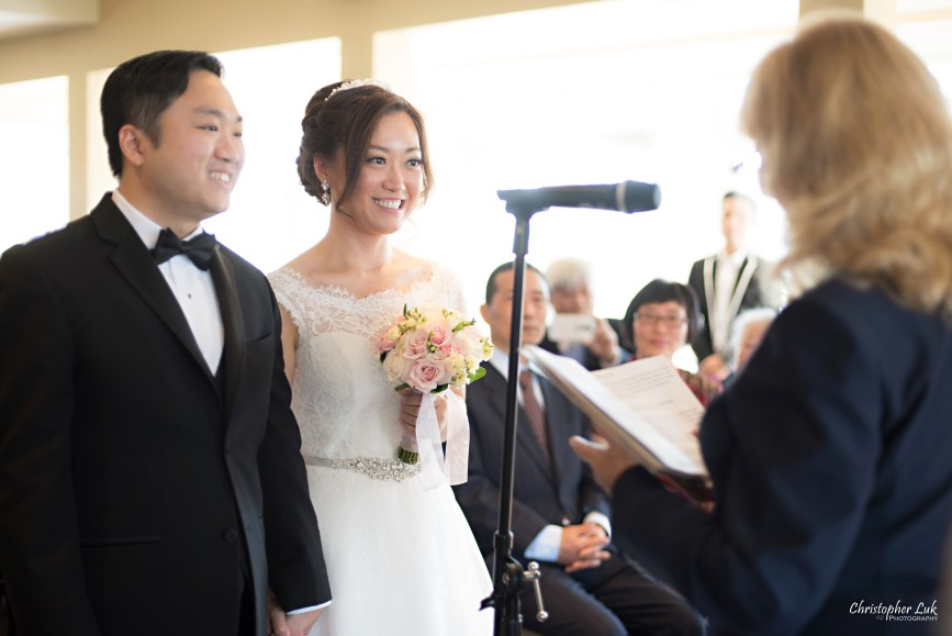 Angus Glen Golf Club Autumn Fall Markham Wedding - Bride Groom Ceremony Candid Documentary Look Love Smile Together