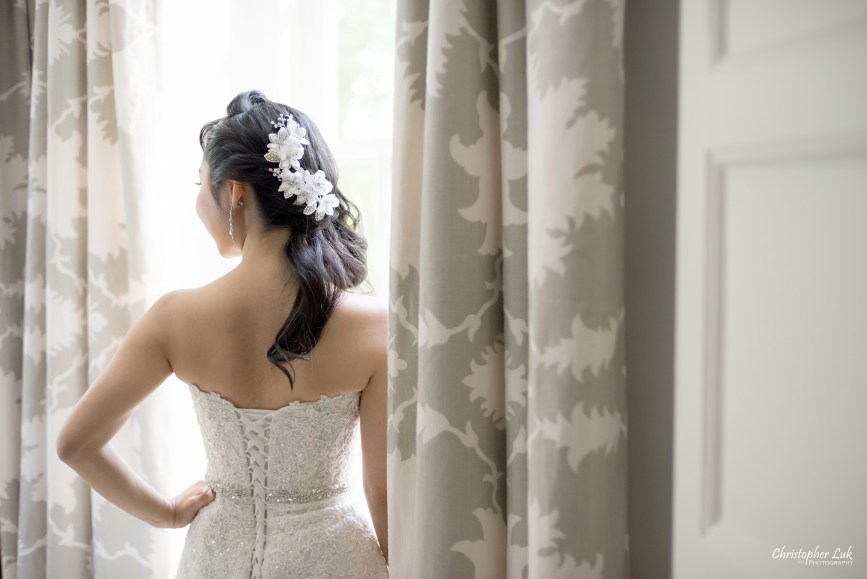 Christopher Luk (Toronto Wedding Photographer): Christine and Jonathan's Wedding - Graydon Hall Manor Toronto Foodie Summer Outdoor Garden Ceremony Patio Terrace Tent Dinner Reception Bride Getting Ready Candid Natural Photojournalistic Floral Crystal Hair Piece Hairpiece Detail