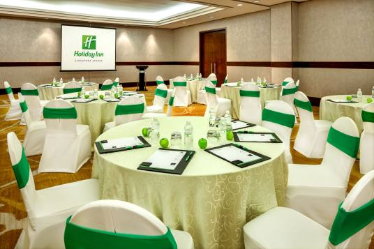 Interior-Photography-Holiday-Inn-Atrium-Hotel-Singapore-Seletar-Meeting-Room-Cluster-Setup
