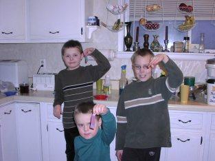 Hudi and his brothers making fruit rollups