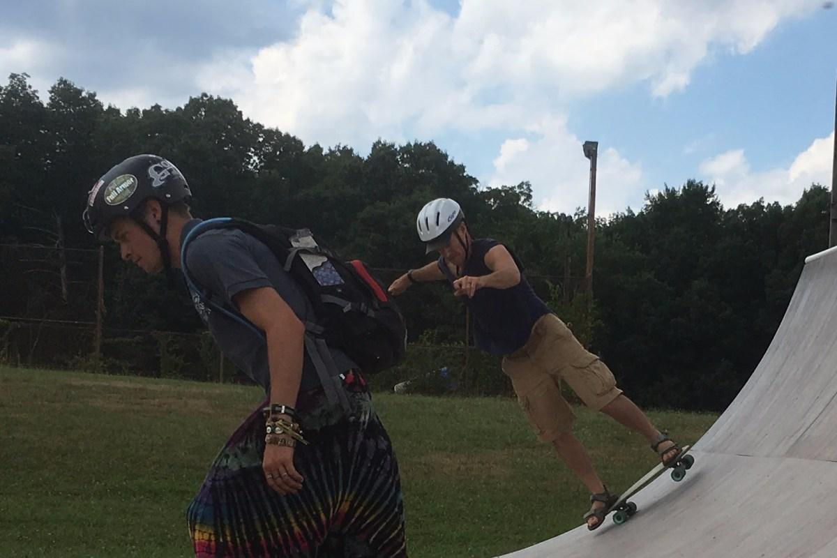 Zeb skateboarding