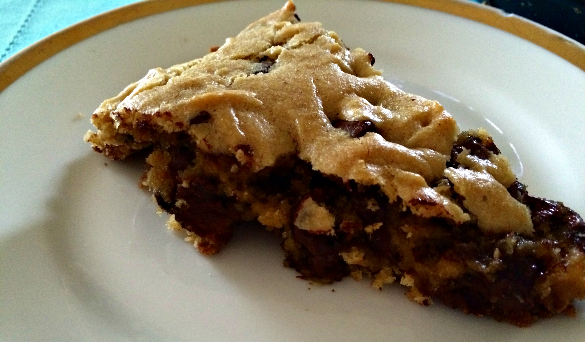 Peanut Butter Chocolate Chip Pie #SundaySupper - Sweet Mornings