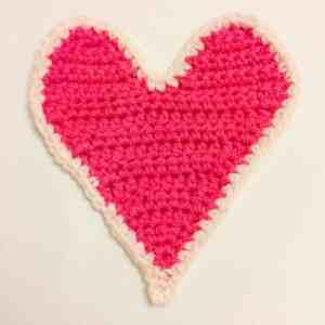 crochet heart gift card holder