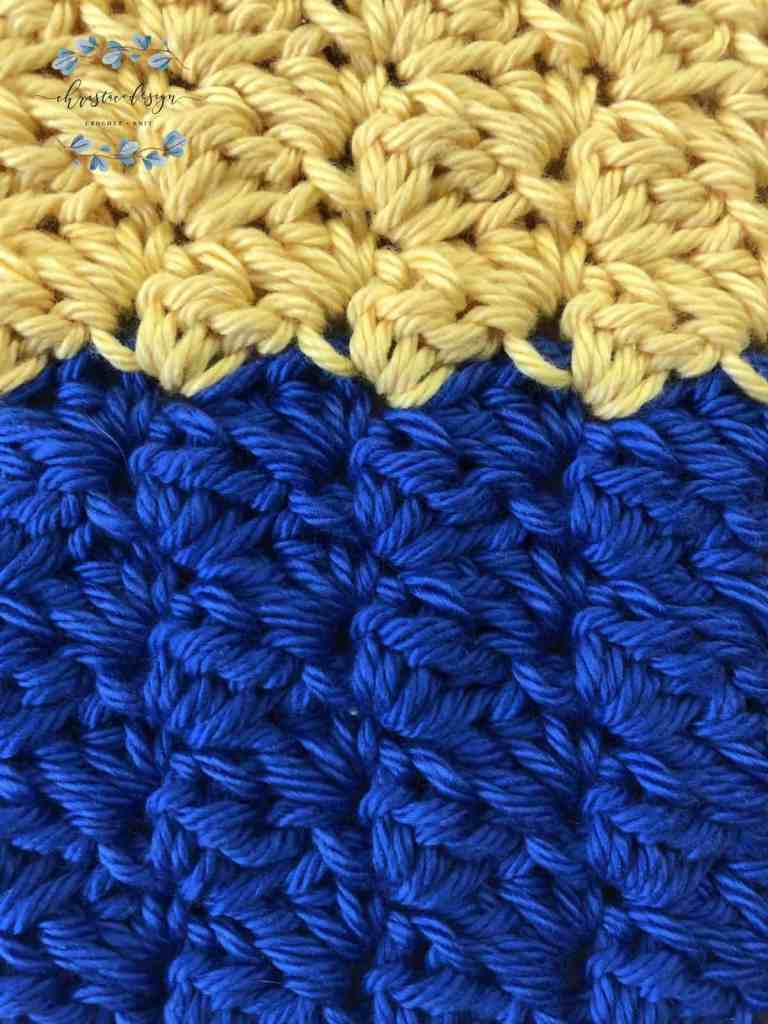 picture of yellow and royal blue crochet washcloth pattern