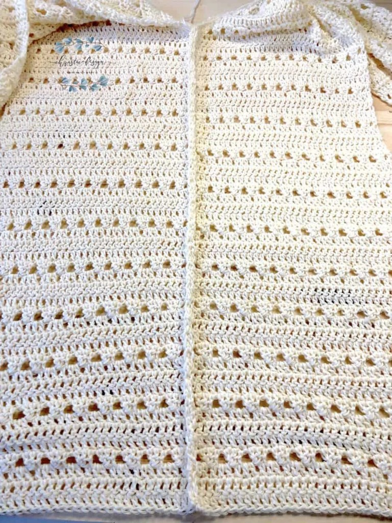 picture of seam in back of crochet cardigan